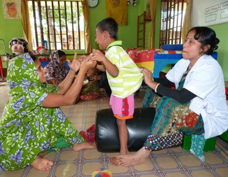 Attività giornaliere di fisioterapia alla Rishilpi