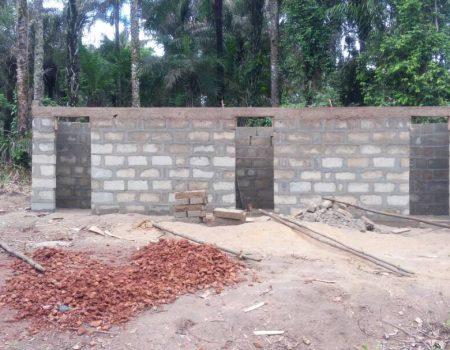costruzione toilet Kissy Koya